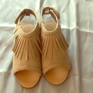 Fringe peep toe sandals